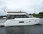 Компания Premium Yachts сдала первую в России Sealine F42