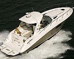Sea Ray 355 Sundancer оборудован системой Axius