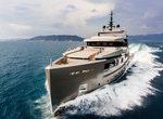 40-метровая моторная яхта GIRAUD производства Адмирал теперь доступна в аренду исключительно в компании Bluewater
